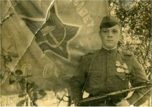 Znamya polka u znameni serzhant Bryikalov 44gjpg